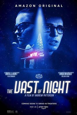 نقد فیلم شب طولانی, The Vast of Night, دیداری دوباره با بشقاب پرندههای فضایی در فیلم Vast Of Night