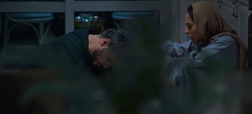 سانسور صحنه «لاک زدن» رعنا آزدی ور در سریال زخم کاری