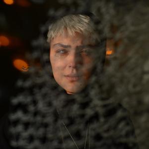 هدی زین العابدین در قسمت 5 سریال «رقص روی شیشه»