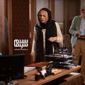 بیتا فرهی و همایون ارشادی در قسمت 5 سریال «رقص روی شیشه»