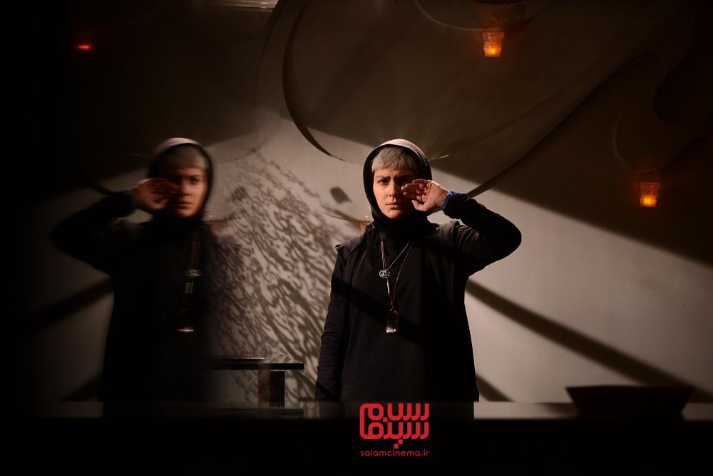 هدی زین العابدین در قسمت 5 سریال نمایش خانگی «رقص روی شیشه»