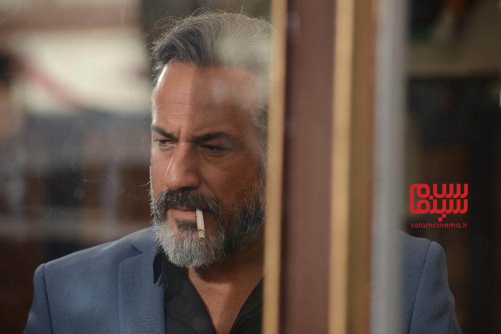 قسمت 5 سریال نمایش خانگی «رقص روی شیشه» با بازی امیر آقایی