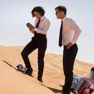تسا تامپسون و کریس همسورث در فیلم سینمایی «مردان سیاه پوش: بین المللی» (Men in Black: International)