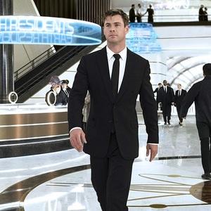 کریس همسورث در فیلم سینمایی «مردان سیاه پوش: بین المللی» (Men in Black: International)