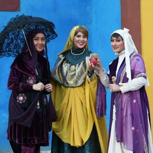 بهاره کیان افشار، لیلا بلوکات و الهام حمیدی در سریال «هشتگ خاله سوسکه»