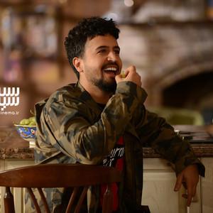 مهرداد صدیقیان در قسمت 6 سریال «رقص روی شیشه»