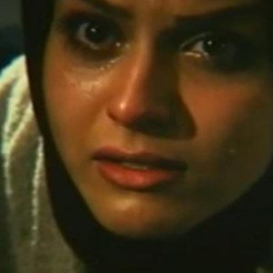 ساره آرین در نمایی از فیلم «آواز قو»