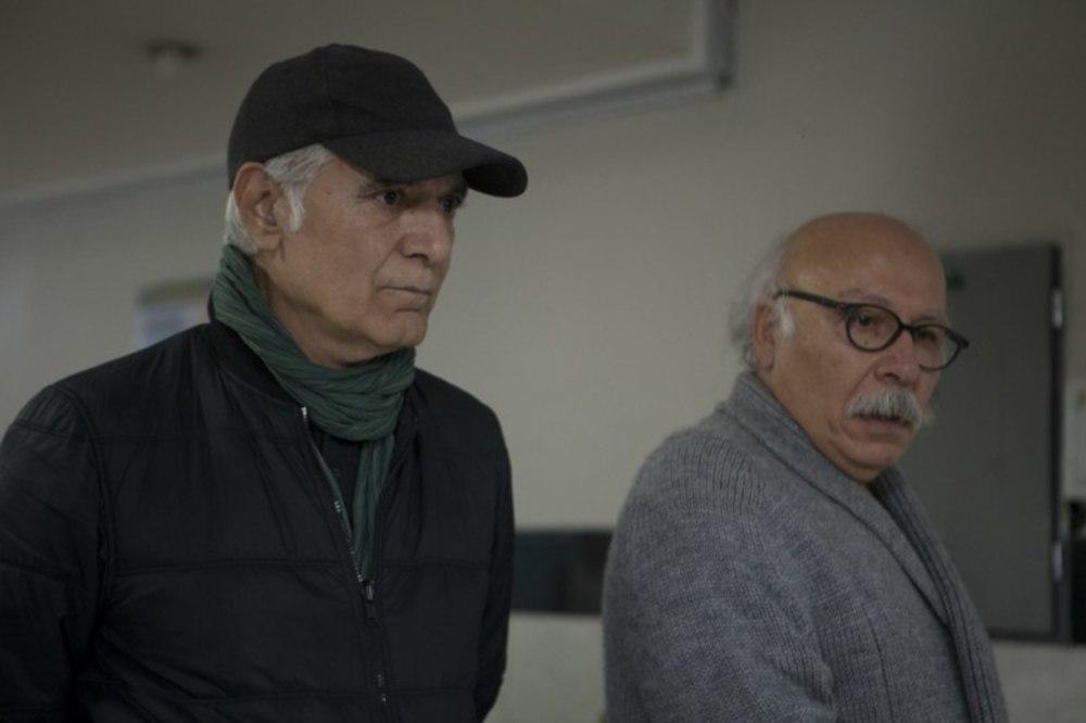 محمود کلاری و علیرضا داوودنژاد در نمایی از پشت صحنه فیلم سینمایی «فراری»