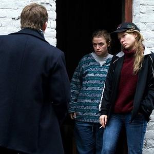 سارا فورستیه و لئا سیدو در فیلم «اوه مرسی» (Oh Mercy!)