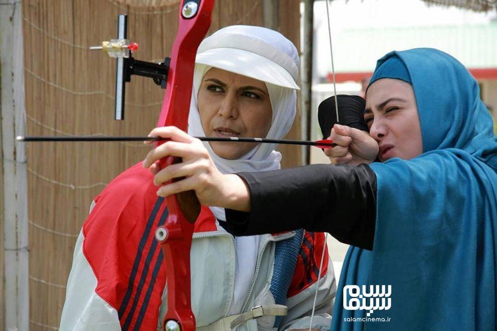 آزاده صمدی و فرشته سرابندی در سریال تلویزیونی «سی امین روز»