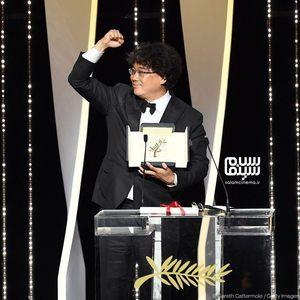 بونگ جون هو برنده جایزه بهترین فیلم برای  فیلم «انگل» (Parasite) از جشنواره کن 2019