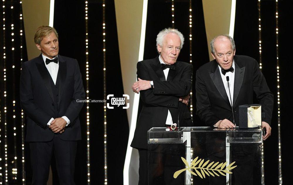 ژان پیر داردن و لوک داردن برنده جایزه بهترین کارگردان برای فیلم «احمد جوان» ( Young Ahmed) به همراه ویگو مورتنسن در جشنواره فیلم کن 2019