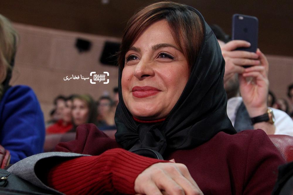 سیما تیرانداز بازیگر فیلم «فراری» در افتتاحیه سی و پنجمین جشنواره فیلم فجر