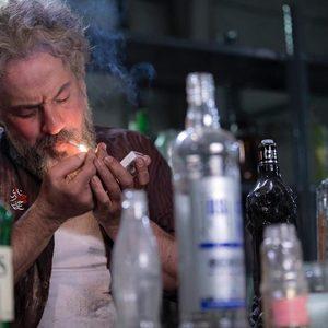 امیر آقایی در فیلم سینمایی «گواهی امضاء»