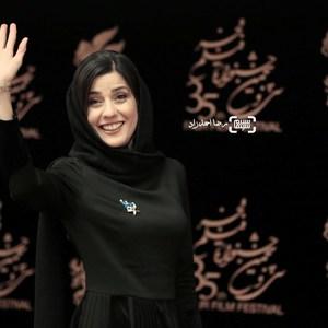 سارا بهرامی در اکران فیلم «ایتالیا ایتالیا» در سی و پنجمین جشنواره فیلم فجر