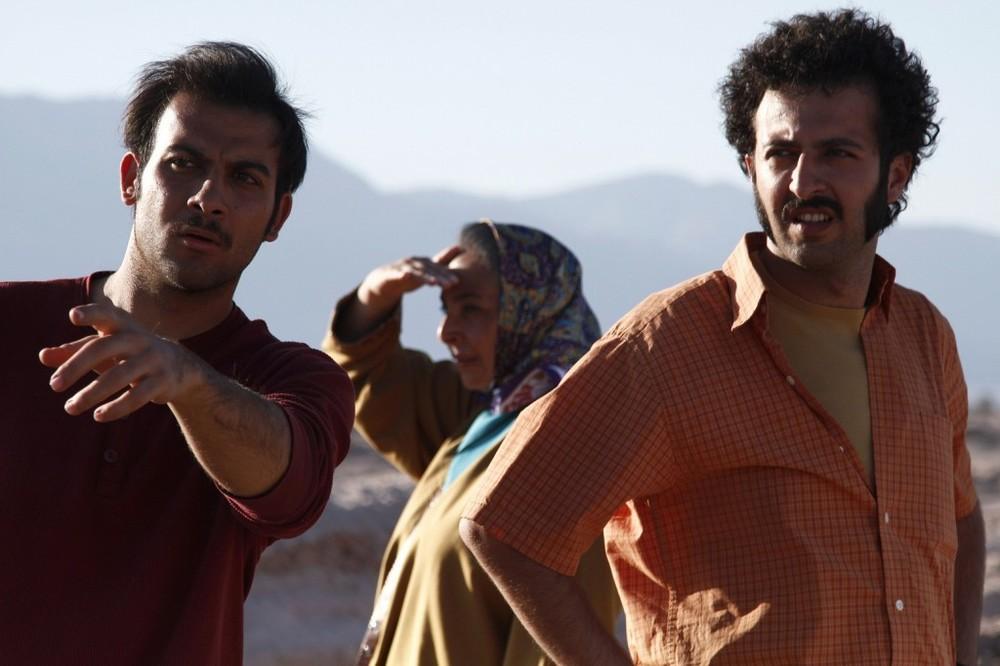 حسام محمودی و فرزاد باقری در فیلم «خسته نباشید!»