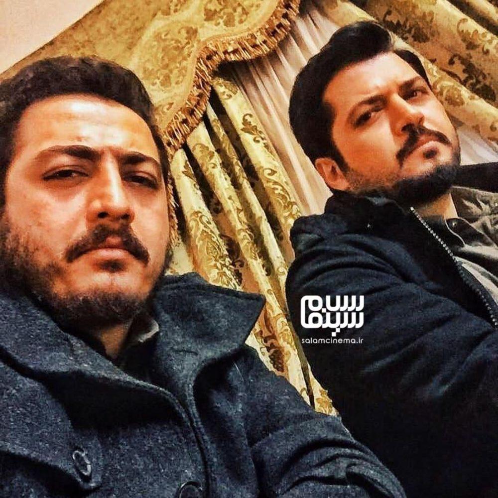پندار اکبری و عرفان ابراهیمی در پشت صحنه سریال «گاندو»