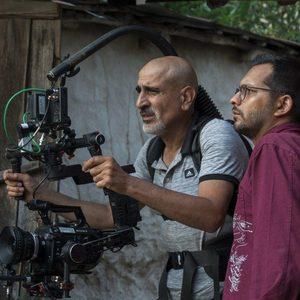 علی فخر موسوی و امیر معقولی در پشت صحنه فیلم «سرزمین آبی»