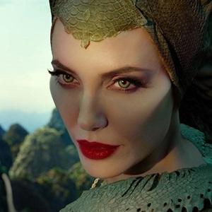 آنجلینا جولی در نمایی از فیلم «مالیفیسنت 2: معشوقه شیطان» (Maleficent: Mistress of Evil)