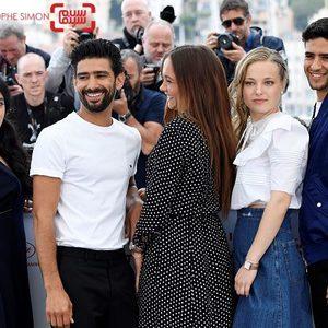 سلیم کشوشی، لو لاتیائو، ماری برنارد، شاین بومدین و حفیصه حرزی در فتوکال فیلم سینمایی «مکتوب، عشق من» (Mektoub, My Love) در جشنواره کن 2019
