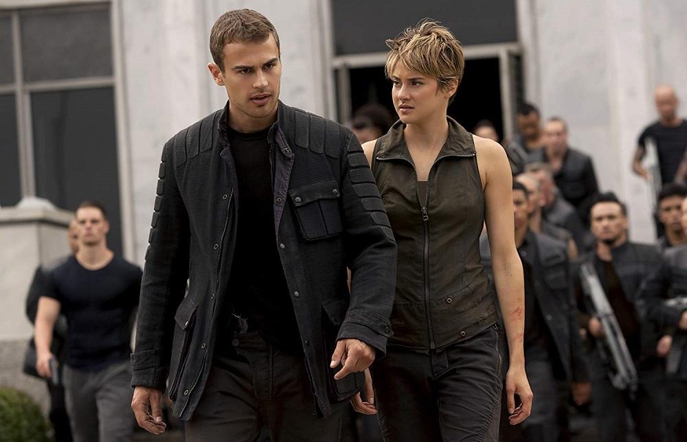 تئو جیمز و شایلین وودلی در فیلم سینمایی «شورشی» (Insurgent)