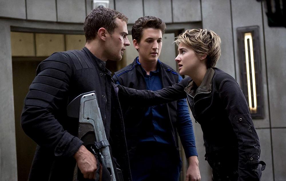 مایلز تلر، تئو جیمز و شایلین وودلی در فیلم «شورشی» (Insurgent)