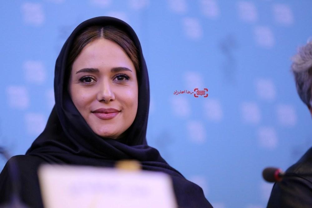 پریناز ایزدیار در نشست فیلم «ویلایی ها» در جشنواره فیلم فجر35