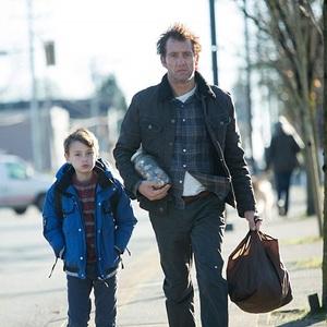 کلایو اوون و جیدن لیبرهر در فیلم سینمایی «تایید» (The Confirmation)