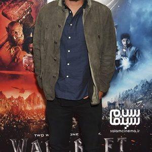 تراویس فیمل در اکران فیلم سینمایی «وارکرفت: سرآغاز» (Warcraft: The Beginning) در لندن
