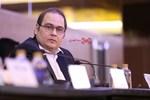 رضا داوودنژاد در نشست فیلم «فراری» در سی و پنجمین جشنواره فیلم فجر