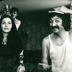 منصور سپهرنیا و پوری بنایی در فیلم «قربون زن ایرونی»