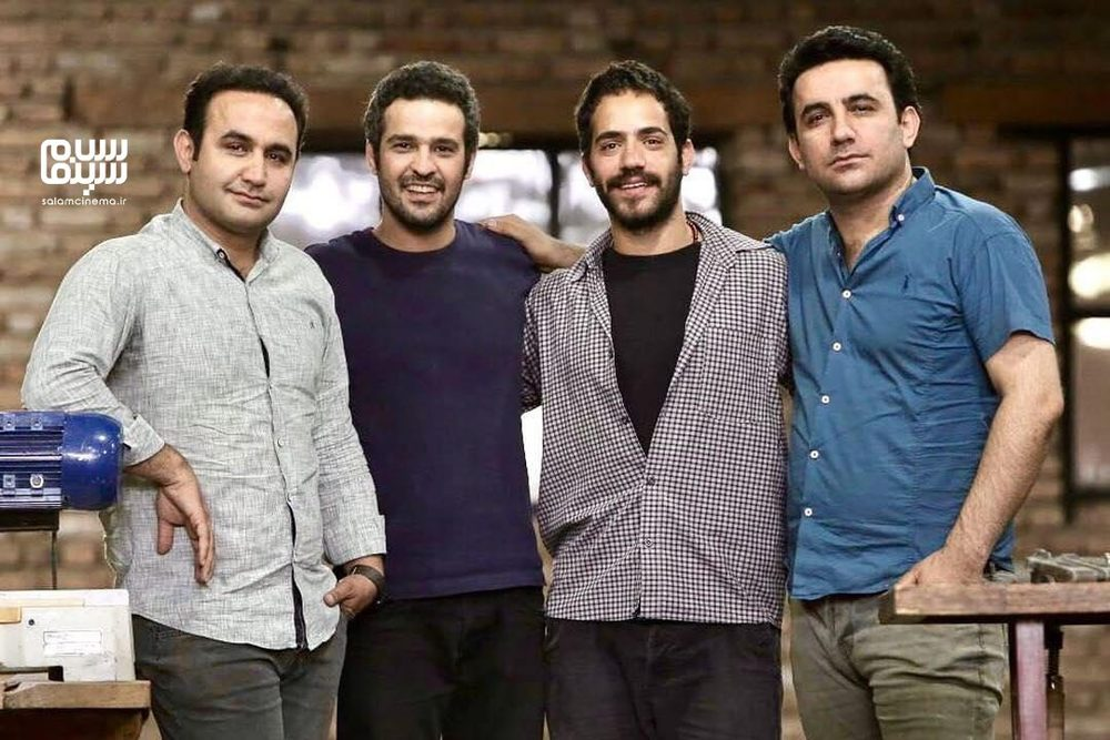 نوید محمودی، محمد ولی زادگان، مجتبی پیرزاده و جمشید محمودی در پشت صحنه سریال «سایه بان»