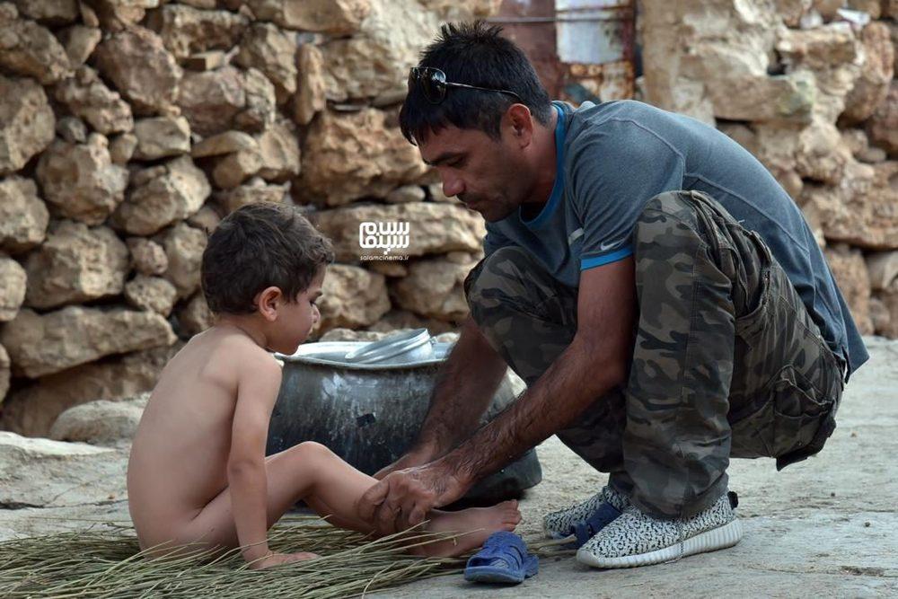 هادی محقق و محمد آذرخش در پشت صحنه فیلم «ایرو»