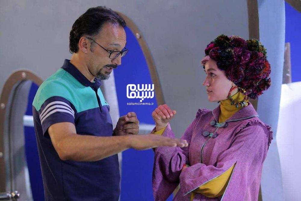 یوسف طاهریان و نگار نافذ در پشت صحنه فیلم «تورنا2»