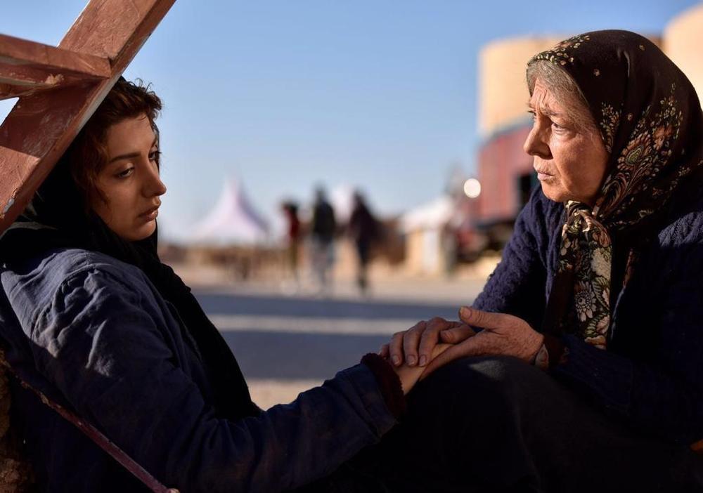 روشنک گرامی و منظر لشگری حسینی در فیلم «یک کامیون غروب»