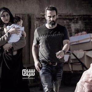 پریناز ایزدیار و محسن تنابنده در فیلم سینمایی «سه کام حبس»