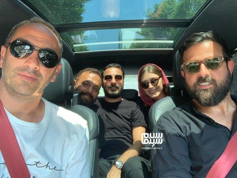 نوید محمدزاده، صابر ابر، فرشته حسینی، هومن سیدی و پیمان شادمان فر در پشت صحنه سریال «قورباغه»