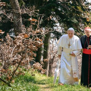 آنتونی هاپکینز و جاناتان پرایس در فیلم سینمایی «دو پاپ»(The Two Popes)