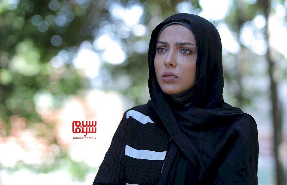 لیلا اوتادی در سریال «آرام می گیریم»