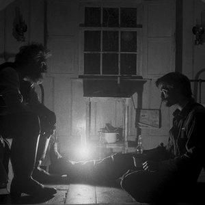ویلم دفو و رابرت پتینسون در فیلم سینمایی «فانوس دریایی»(The Lighthouse)
