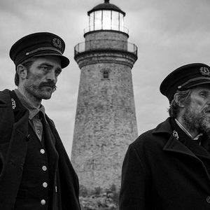 ویلم دفو و رابرت پتینسون در «فانوس دریایی»(The Lighthouse)