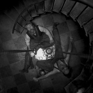ویلم دفو و رابرت پتینسون در نمایی از «فانوس دریایی»(The Lighthouse)