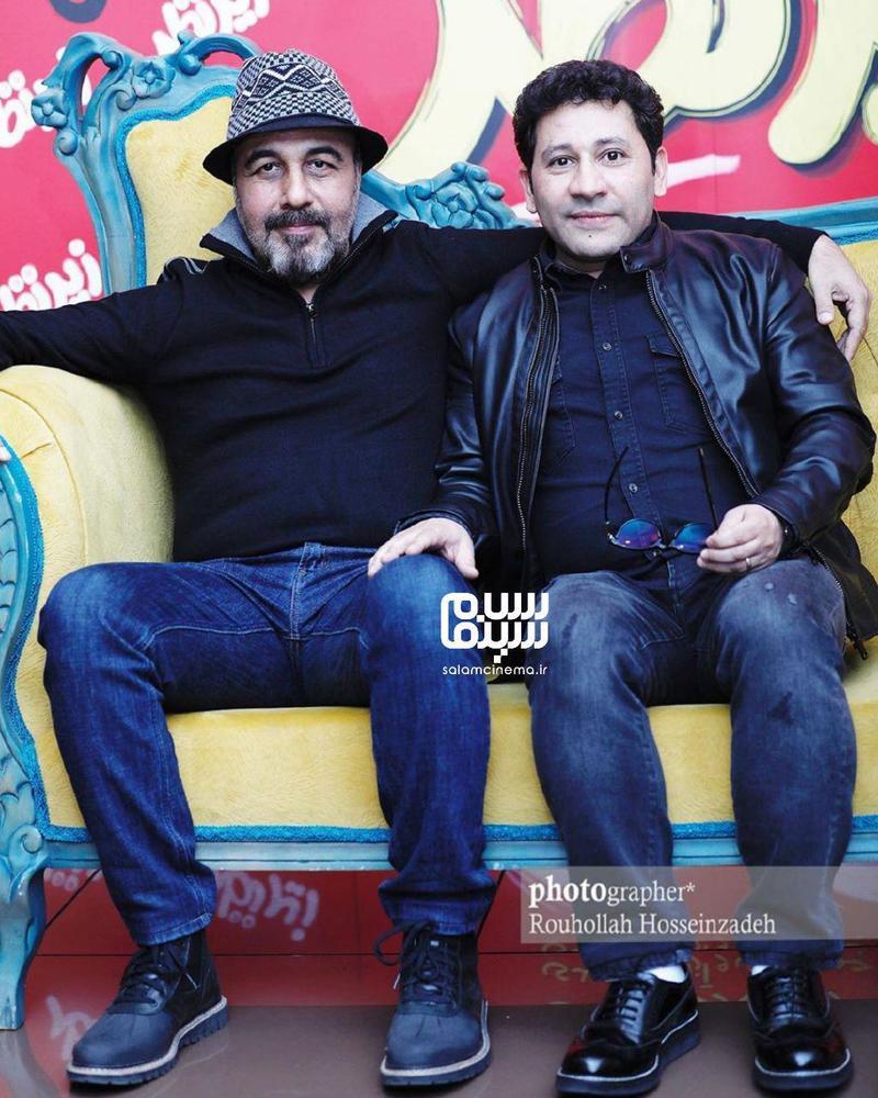 سروش جمشیدی و رضا عطاران در اکران مردمی فیلم «زیر نظر» در سینما کوروش