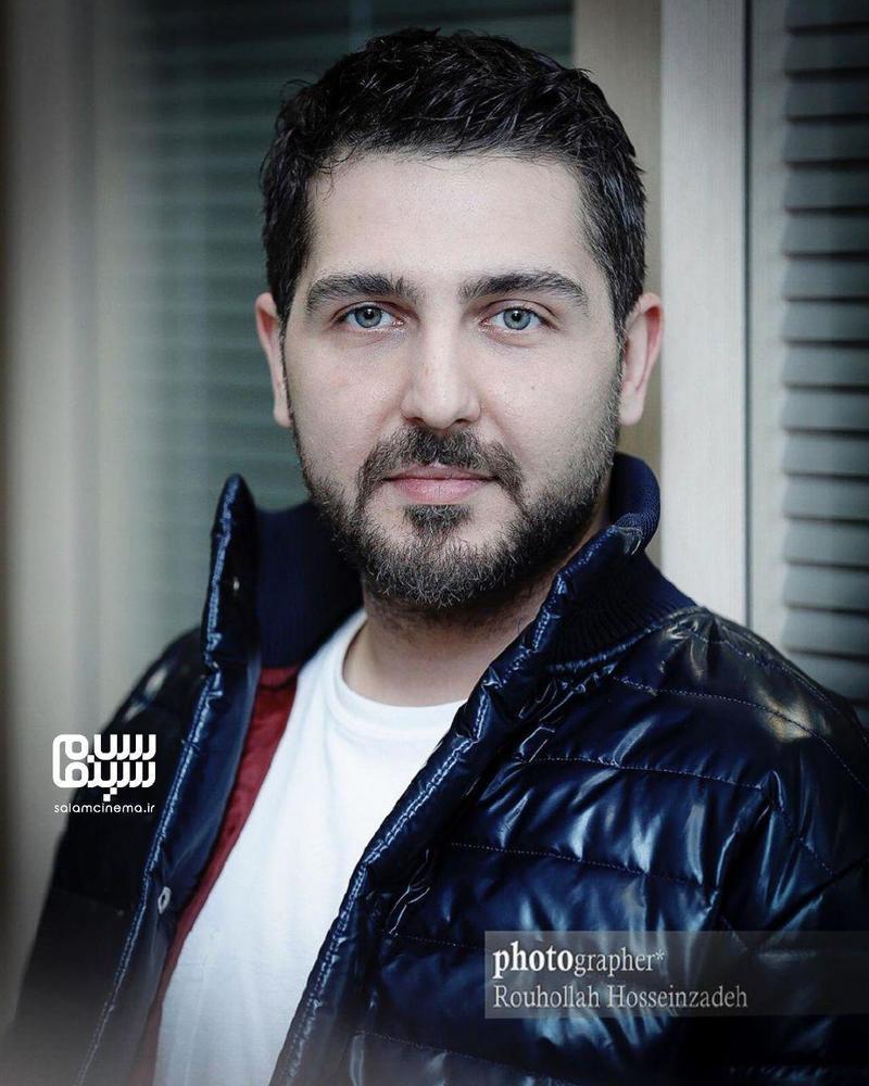 محمدرضا غفاری در اولین اکران مردمی فیلم «سونامی» در سینما کوروش