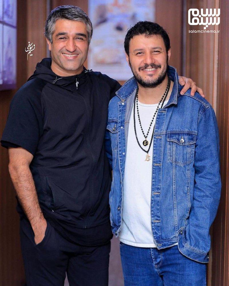 پژمان جمشیدی و جواد عزتی در اکران مردمی فیلم «جهان با من برقص» در سینما آزادی