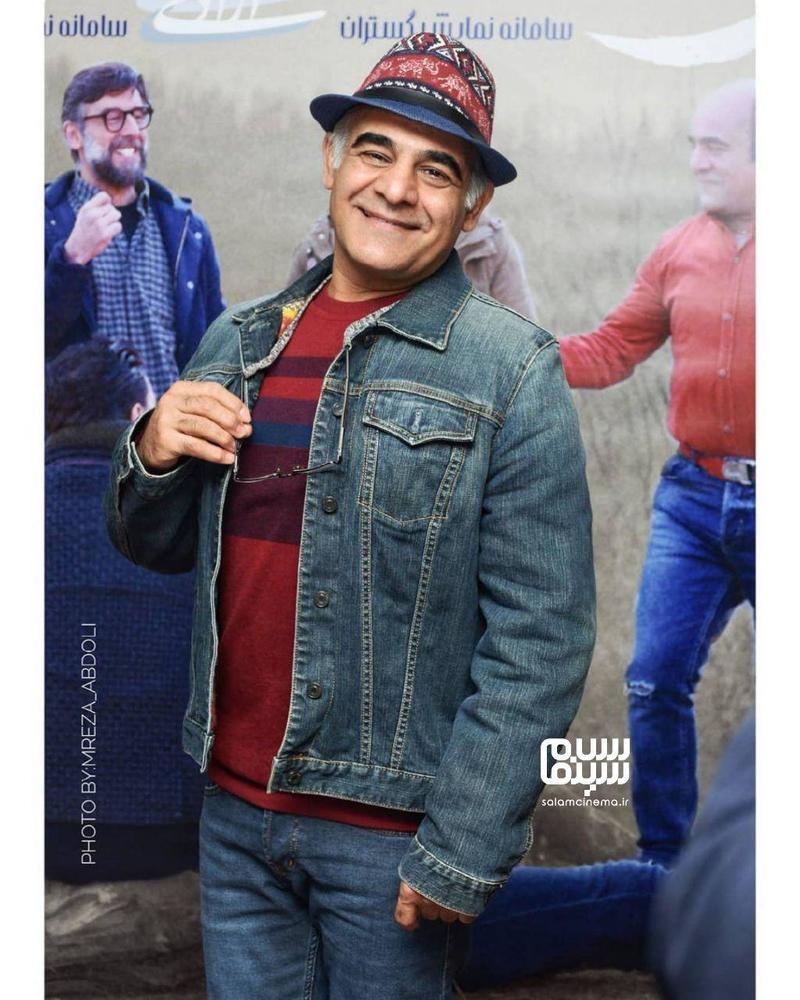 سیاوش چراغی پور در اکران مردمی فیلم «جهان با من برقص» در سینما آزادی