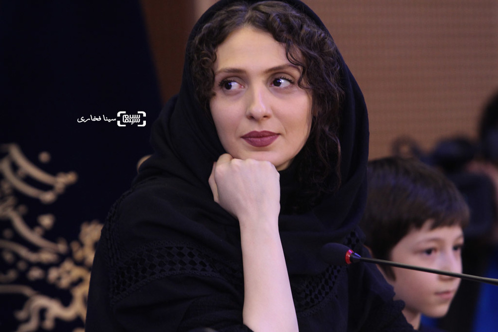 ملیسا ذاکری در نشست خبری فیلم «آباجان» در سی و پنجمین جشنواره فیلم فجر