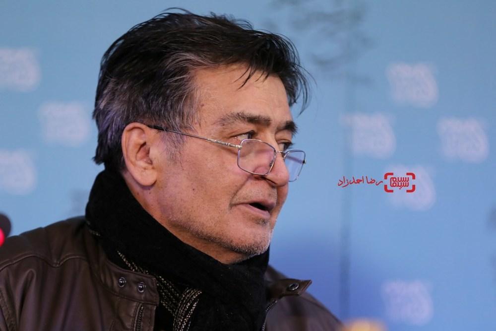 رضا رویگری در نشست خبری فیلم «خوب، بد، جلف» در سی و پنجمین جشنواره فیلم فجر
