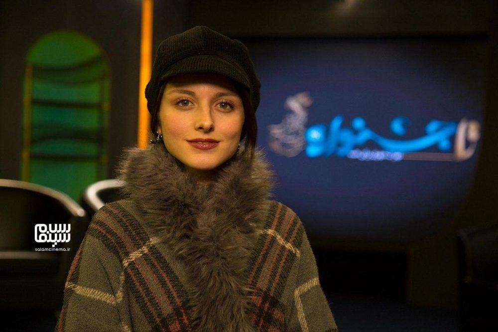 فاطمه مسعودی فر در برنامه معرفی فیلم «پوست» به بهانه حضور در جشنواره فجر 38