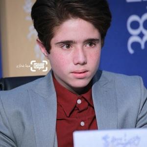روح الله زمانی در نشست خبری فیلم «خورشید» در سی و هشتمین جشنواره فیلم فجر